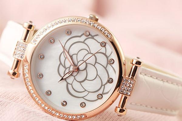 稳达时是手表工厂还是贸易公司?