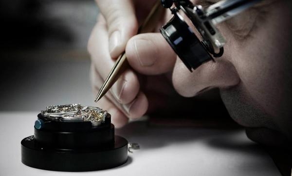 手表加工不止13道严苛的质检工序,稳达时为品质护航